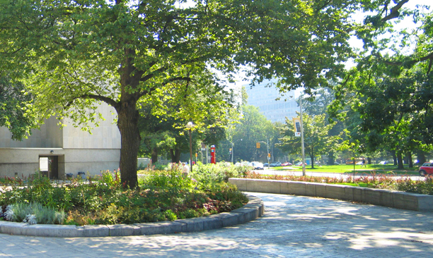 social_UofT_Forecourt3